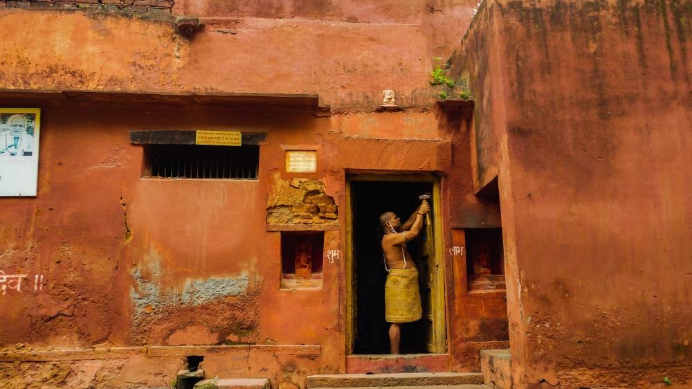 2. spirits.Varanasi.jpg