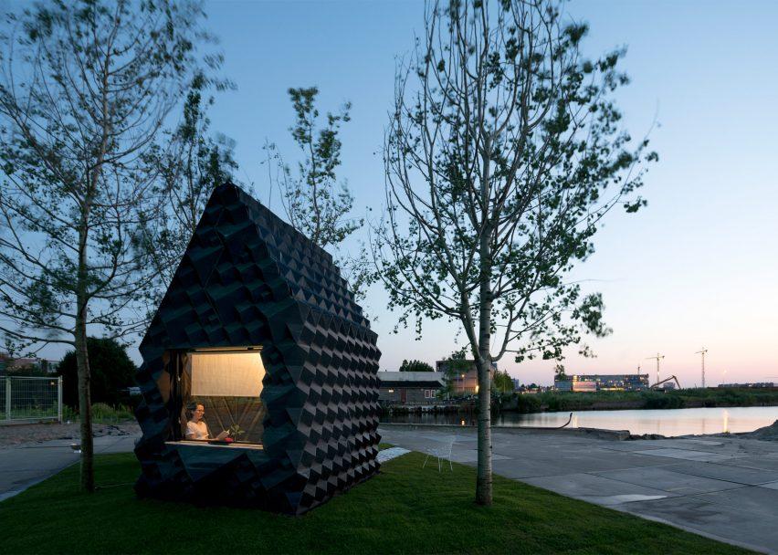 3d-printed-urban-cabin-dus-architects-amsterdam_dezeen_2364_ss_4-852x608